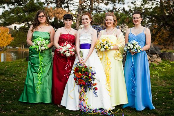 How To Make Sure You Choose The Right Color Scheme For Your Wedding 4