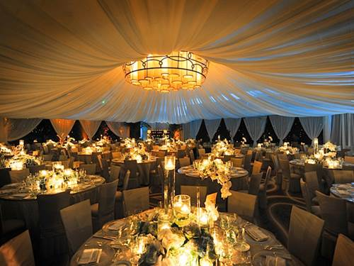 Is An Outdoor Wedding Reception In Winter Just Plain Crazy 3