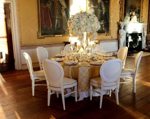 How to Create a Theme for Your Wedding Using Furniture 8